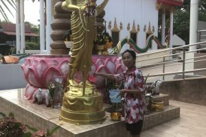 Statue blessing